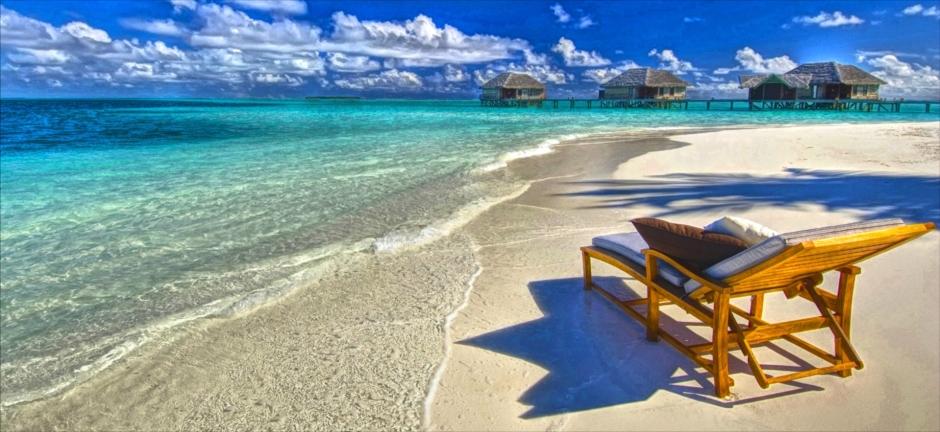 Scaling Exclusivity - Anneke Boeren Maldives Paradise Beach